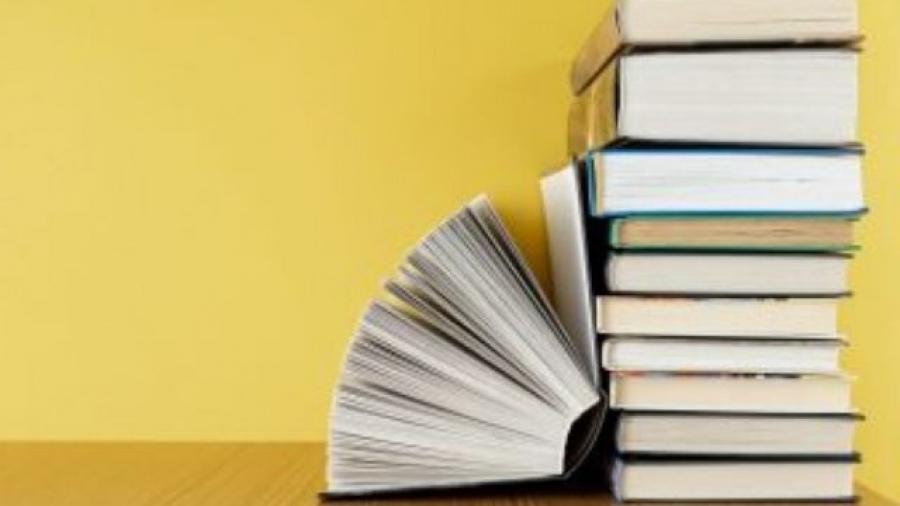 booktubers españoles. Foto de Fondo creado por freepik - www.freepik.es