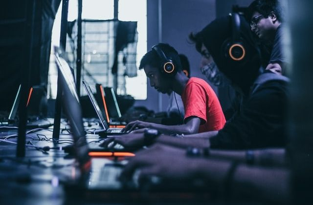 Live streaming platforms. Foto de Fredrick Tendong en Unsplash