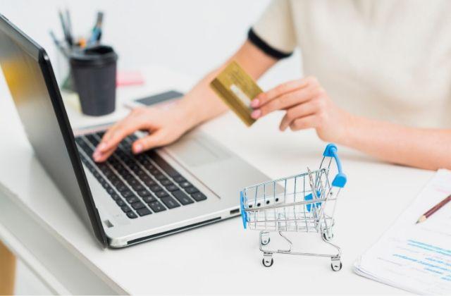 dropshipping vender por Internet sin stock. Foto de Tarjeta de visita creado por freepik - www.freepik.es