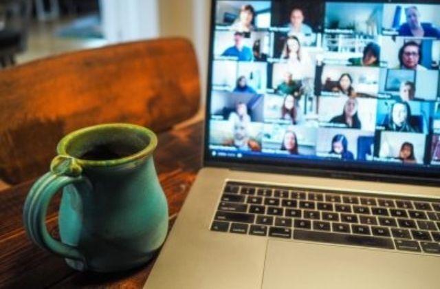 Google Meet vídeollamadas. Foto de Chris Montgomery en Unsplash