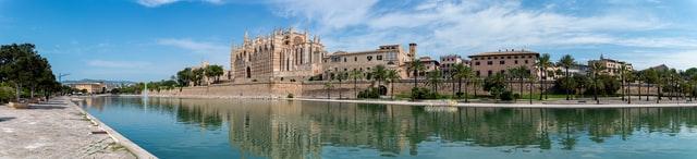 Palma de Mallorca nº 2 del ranking, photo by David Vives on Unsplash
