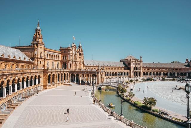 Sevilla nº 3 del ranking, photo by Joan Oger on Unsplash