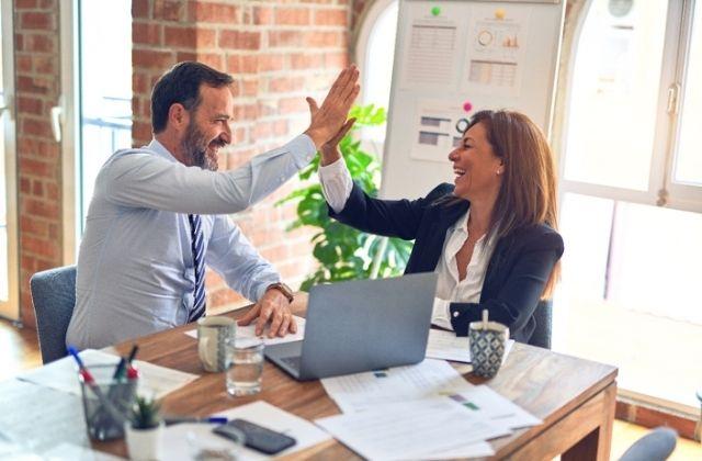 comunicación entre empresa y consumidor