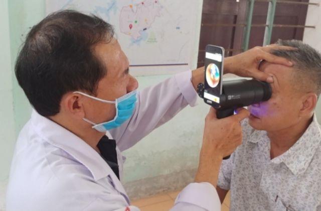 Galaxy Upcycling, smartphones Samsung para ayuda médica oftalmológica