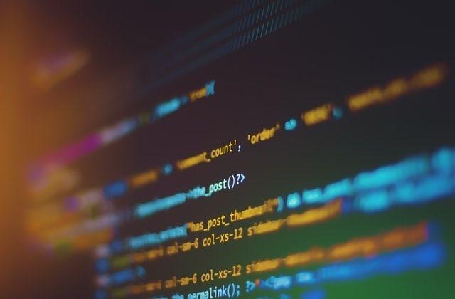 programa de becas ReprográmAT para formación en programación