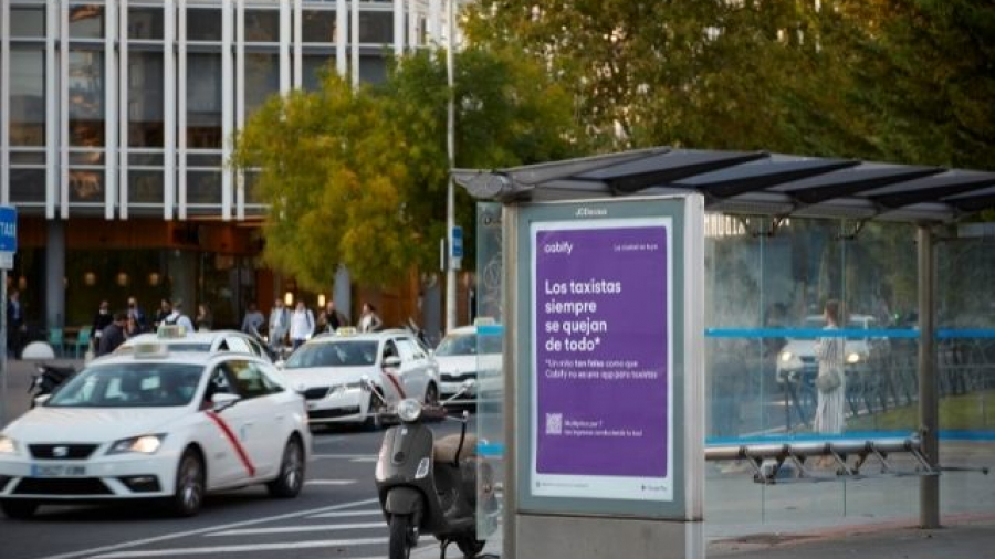 campaña Falsos mitos de Cabify en apoyo al sector del taxi