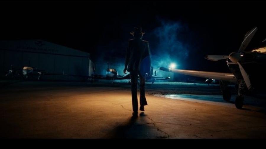 fotograma del trailer de Cuando te muerdes el labio, nuevo trabajo de Leiva